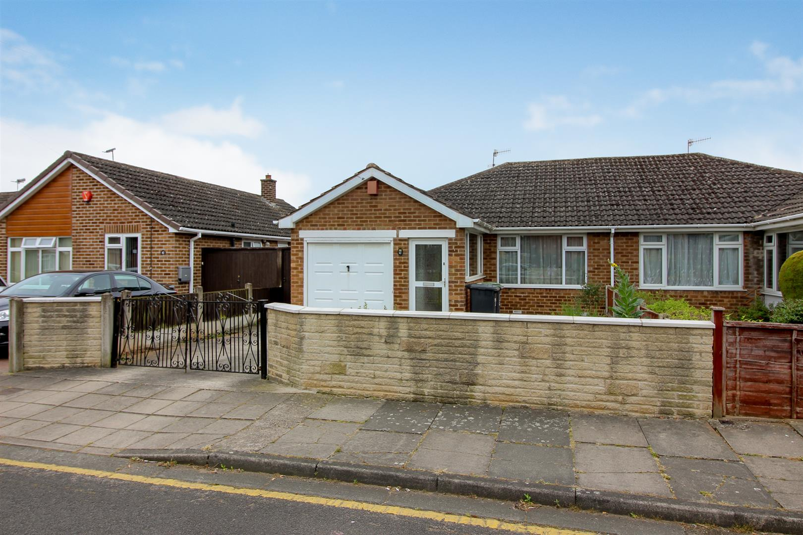 2 Bedrooms Bungalow for sale in Wellington Street, Stapleford